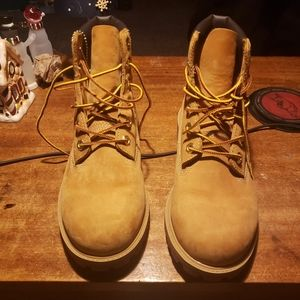 Timberland boots Child's 6 woman's 7.5 to 8
